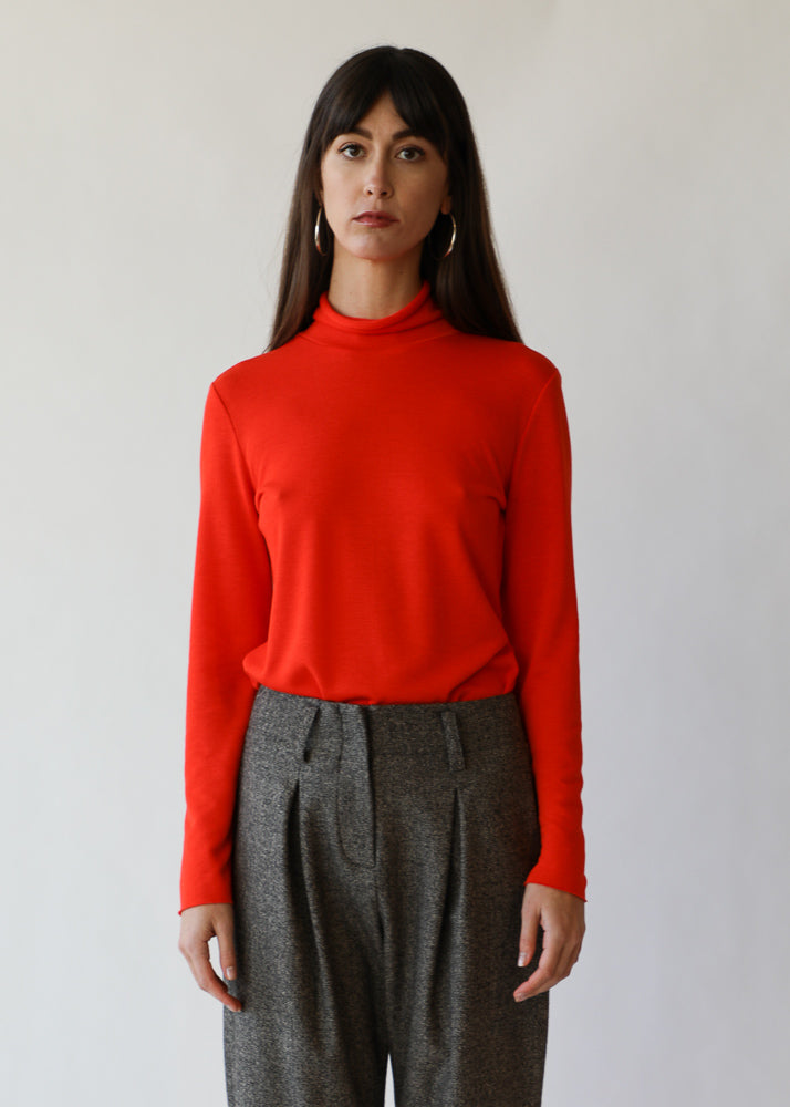 Gloria Turtleneck in Red Jersey