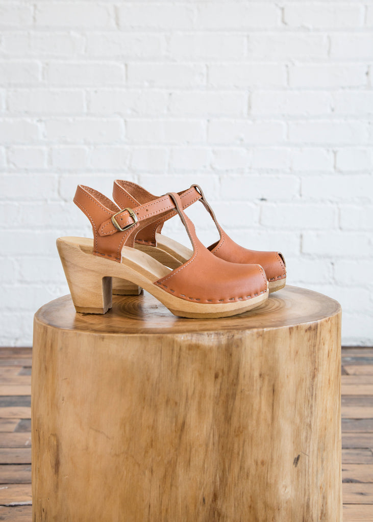 No. 6 Caitlin T Strap w/ Peep Toe on High Heel Caramel
