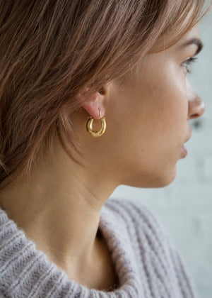 J. Ann Sculpted Hoop Earring Gold Plated