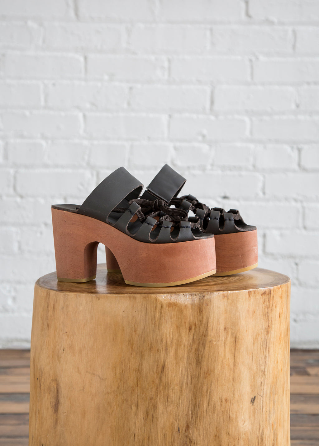 Everson Lace-Up Platform in Graphite