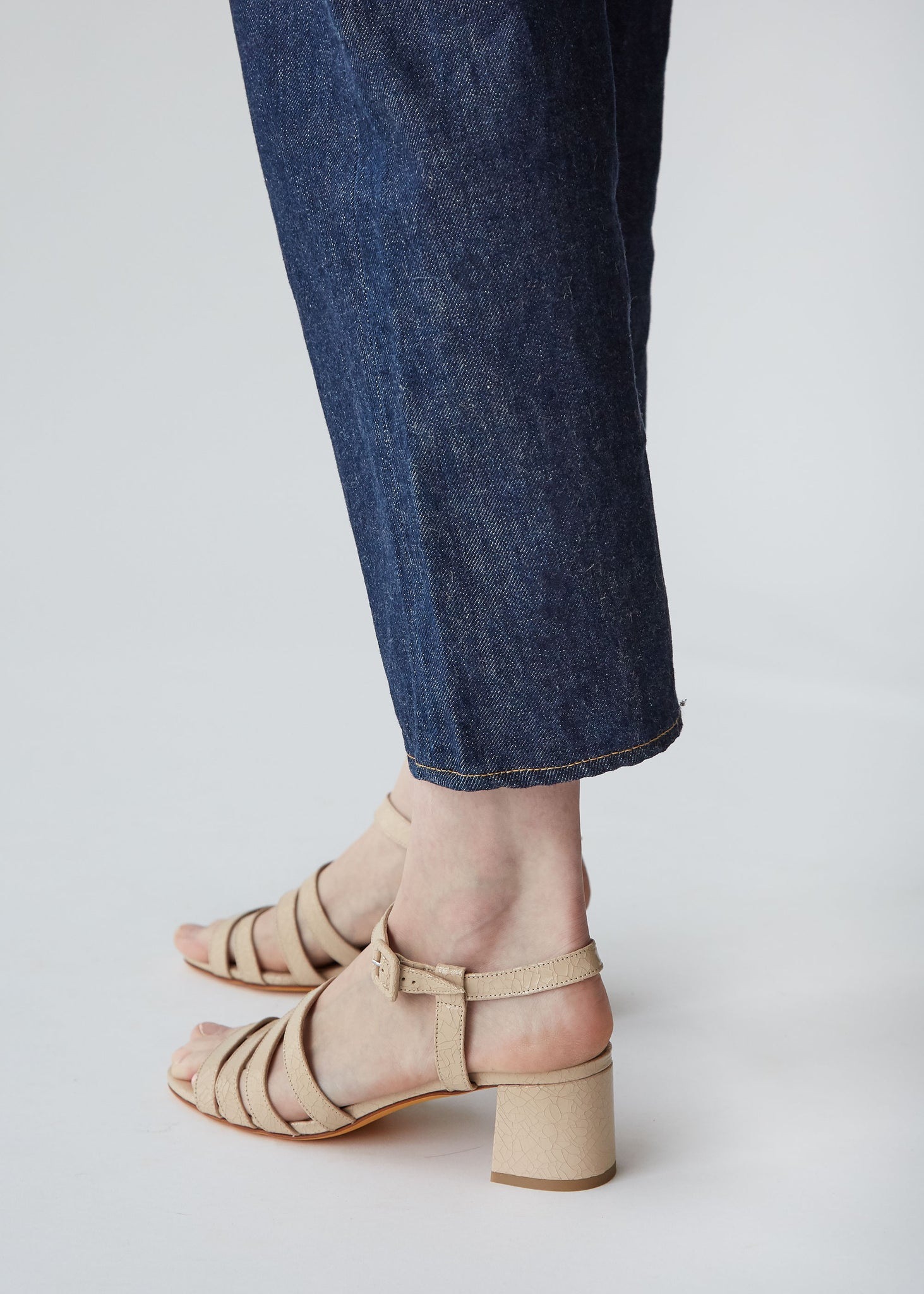 Palma Low Sandal in Buff Crackle