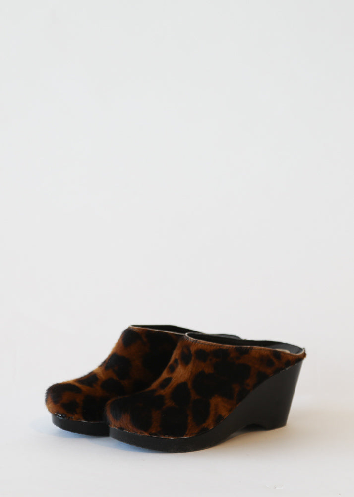 New School Clog on Wedge in Luxe Leopard on Black Base