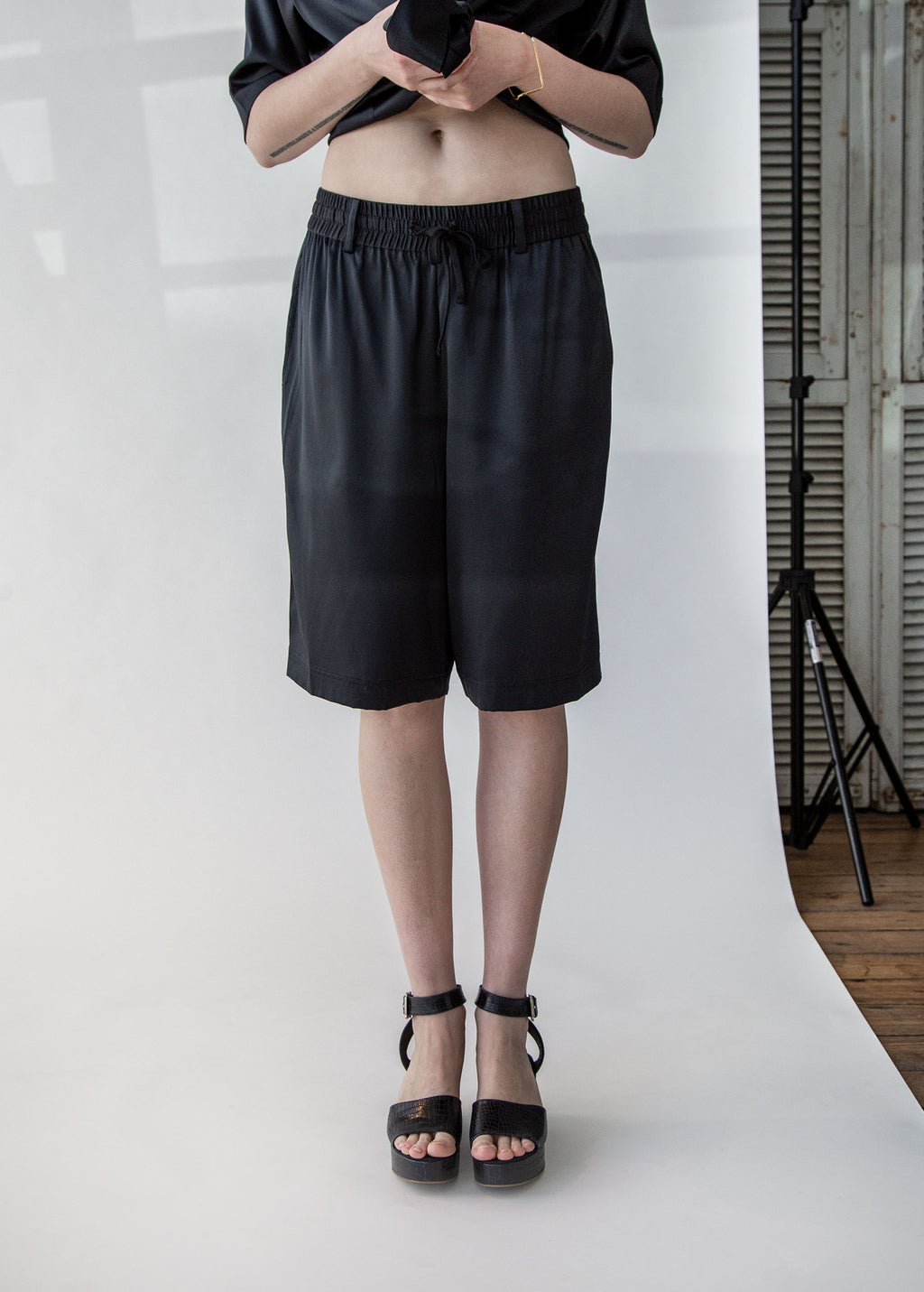 Silk Board Short in Black