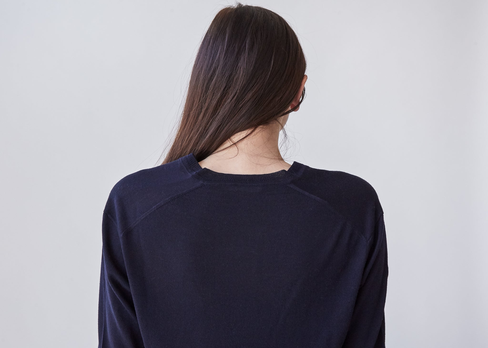 Perfect V-Neck in Navy