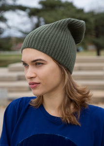 8.6.4 Beanie Cashmere Olive