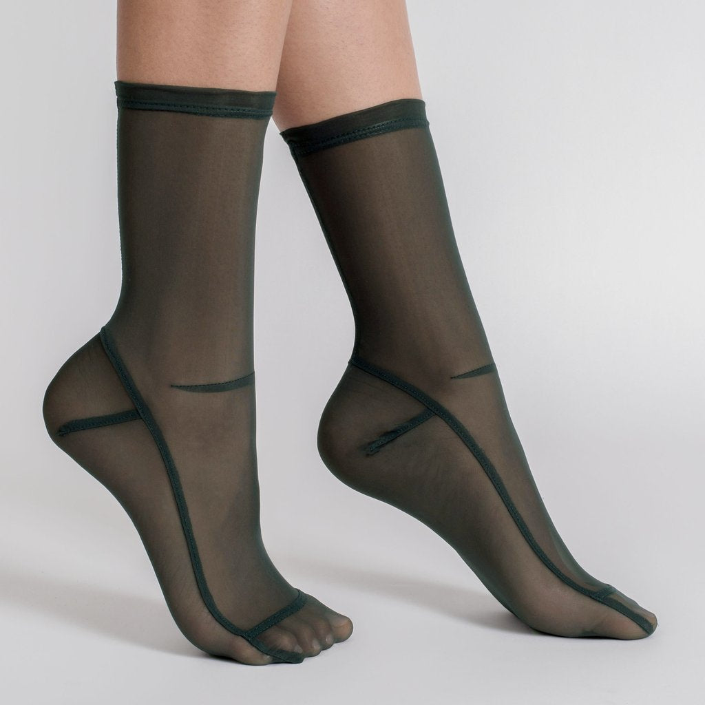 Socks in Dark Green Mesh