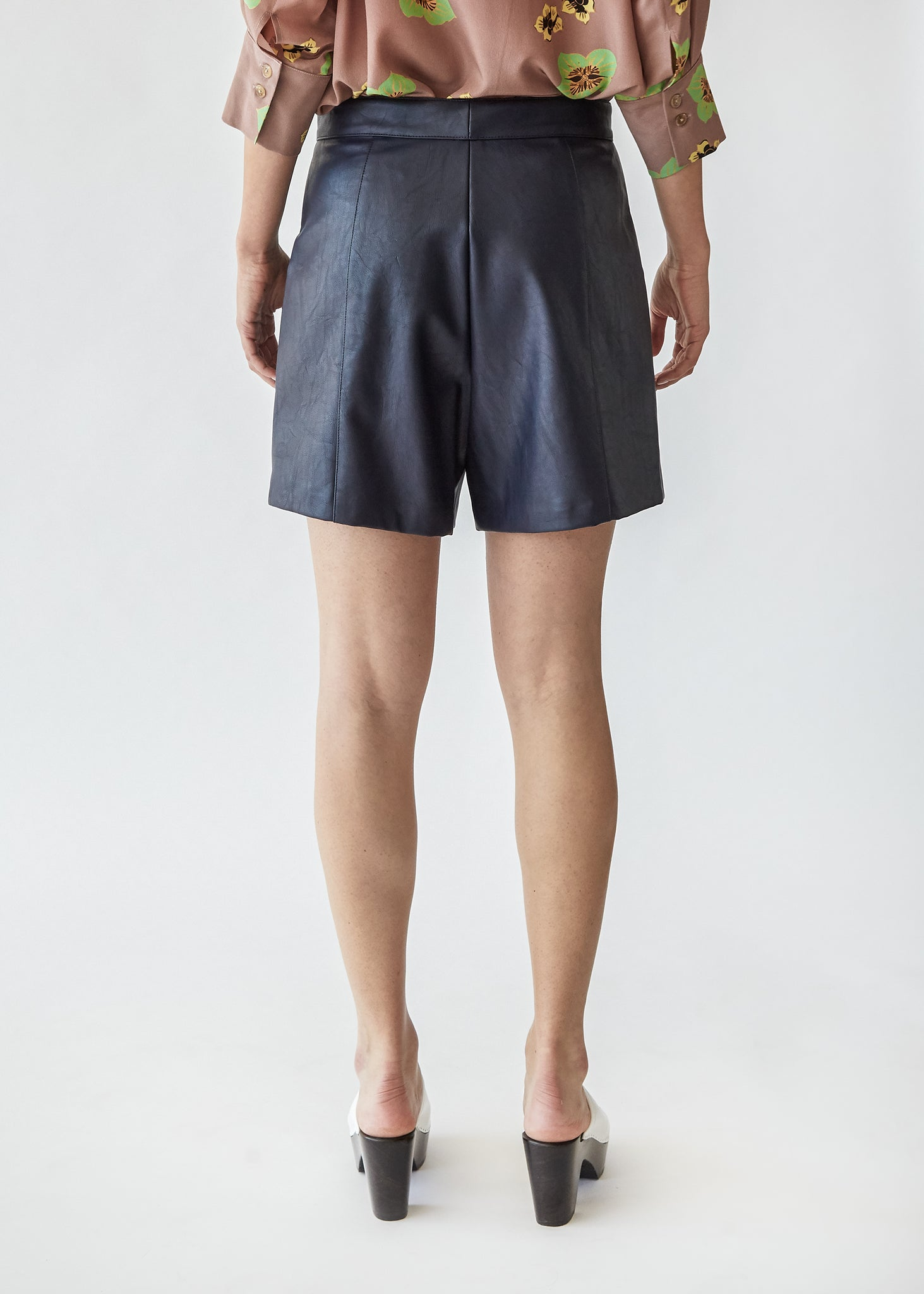 Annika Pleated Short in Navy
