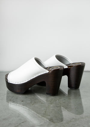 Daria Clog on Platform in White/Coffee
