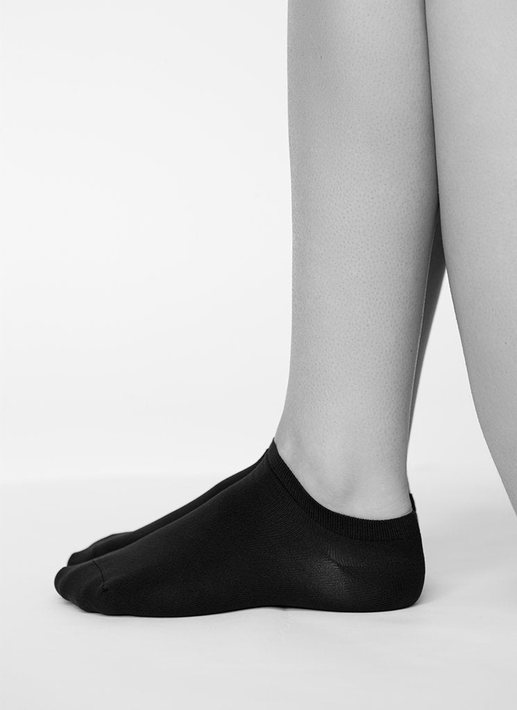 Sara Premium Sneaker Sock in Black 70 Den