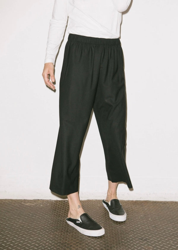Wide Leg Pull-On Pant in Navy