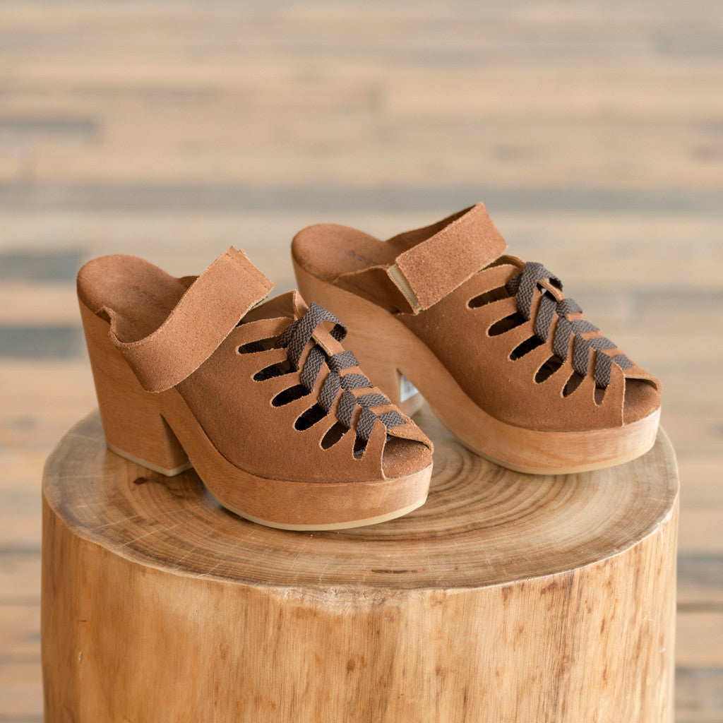 A Detacher - A Detacher Etta Lace-Up Clog Sienna  -  Finefolk - 4