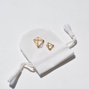 Shihara - Shihara Triangle Earring 10mm - Finefolk - 1