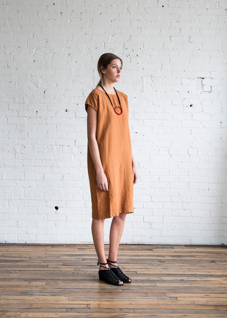 Black Crane Back Slit Open Dress Rust