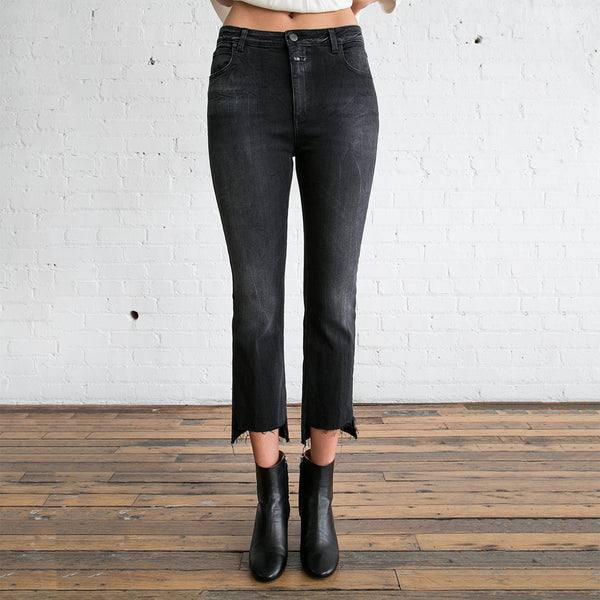 Closed Rose Jean Black