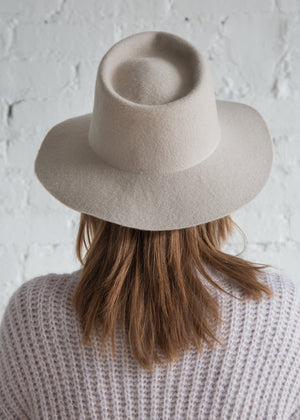 Clyde Pinch Hat Alabaster - SOLD OUT