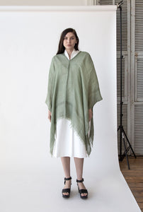 Bordy Poncho in Sage