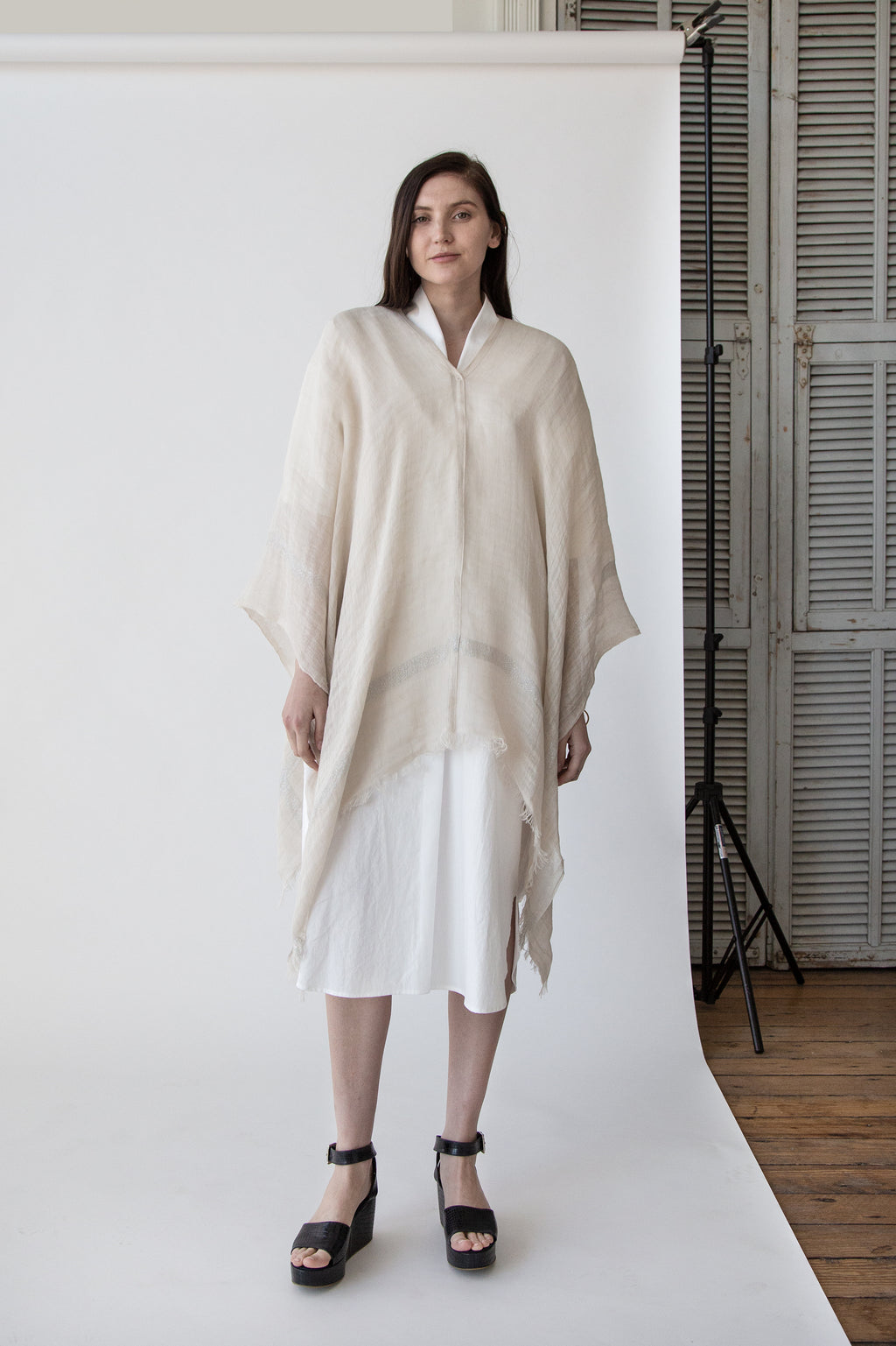 Bordy Poncho in Nude