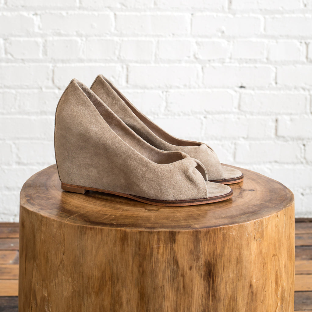 Martha Davis - Martha Davis Twist Wedge  -  Finefolk - 1