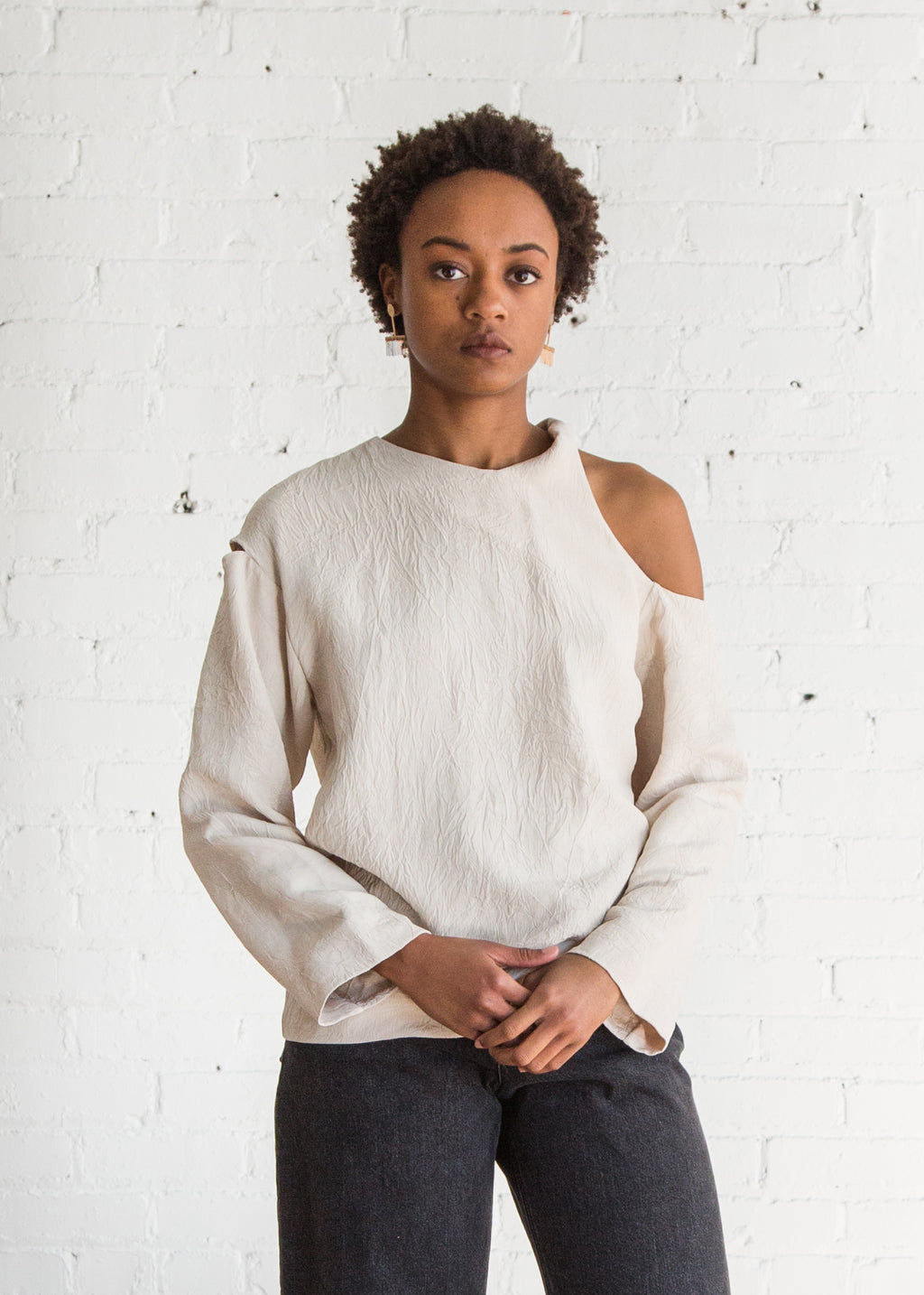 L/S Twist Shoulder Top Matte Sand