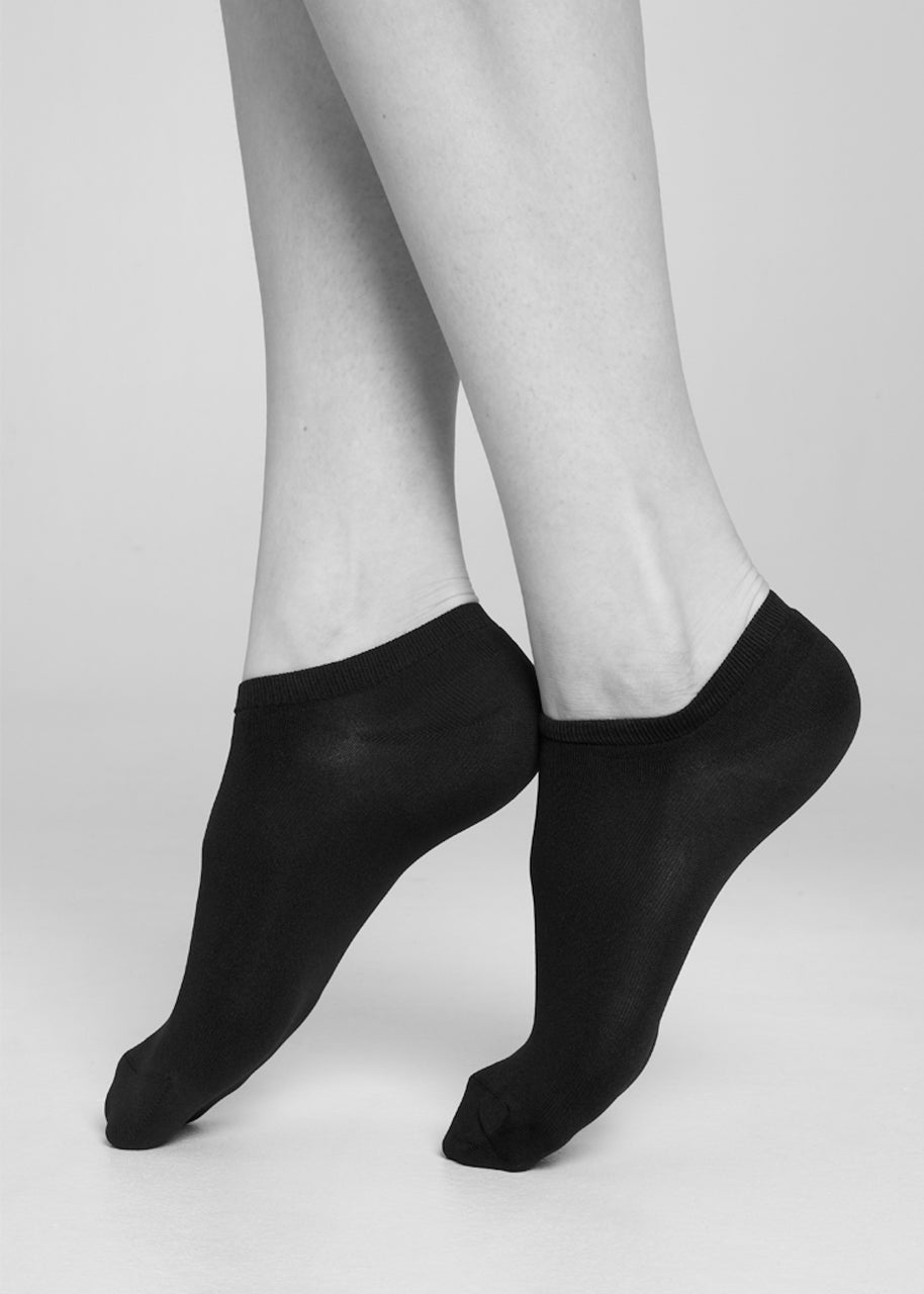Sara Premium Sneaker Socks in Black