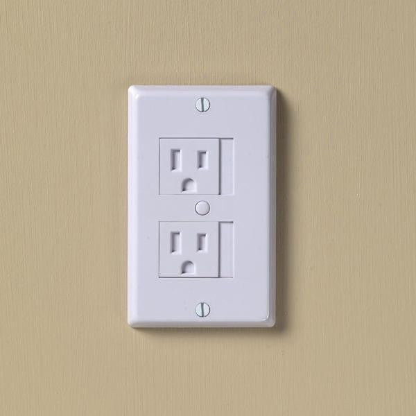Kid Co. Universal Outlet Cover