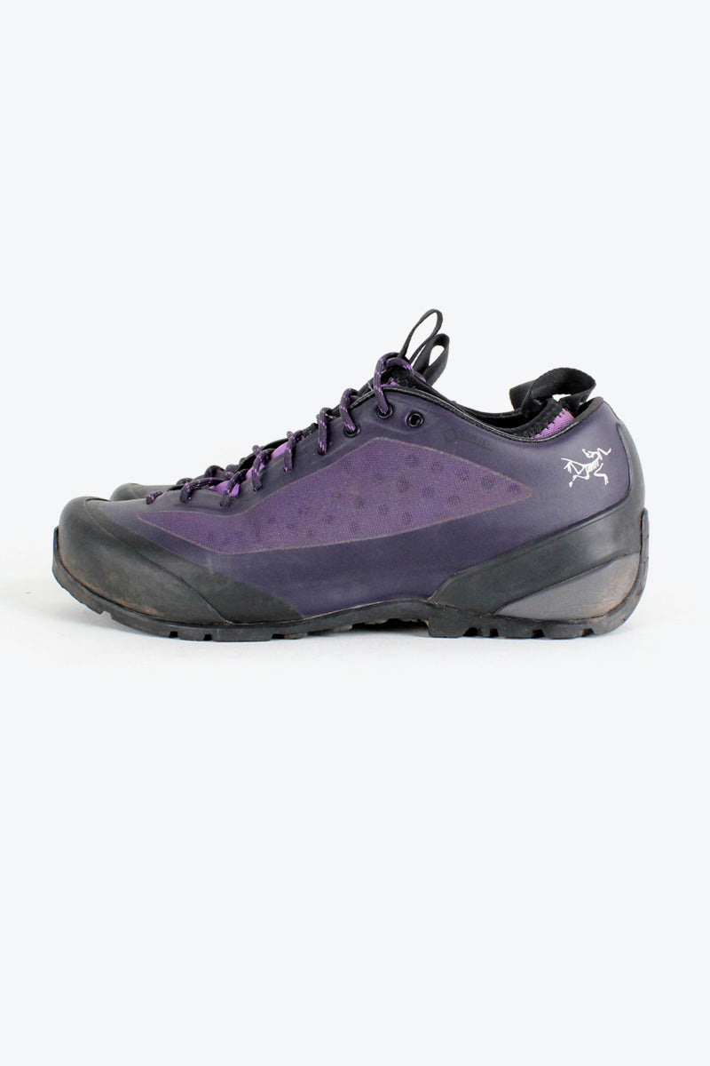 TREKKING SHOES / BLACK PURPLE [SIZE: US7(25cm) USED][金沢店]