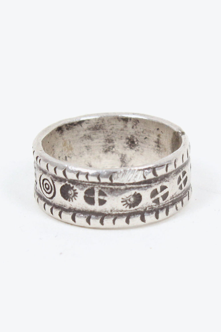 SILVER RING [SIZE: 16号相当 USED][金沢店]