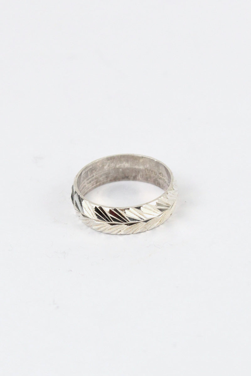 STERLING SILVER RING [SIZE: 15号相当 USED]