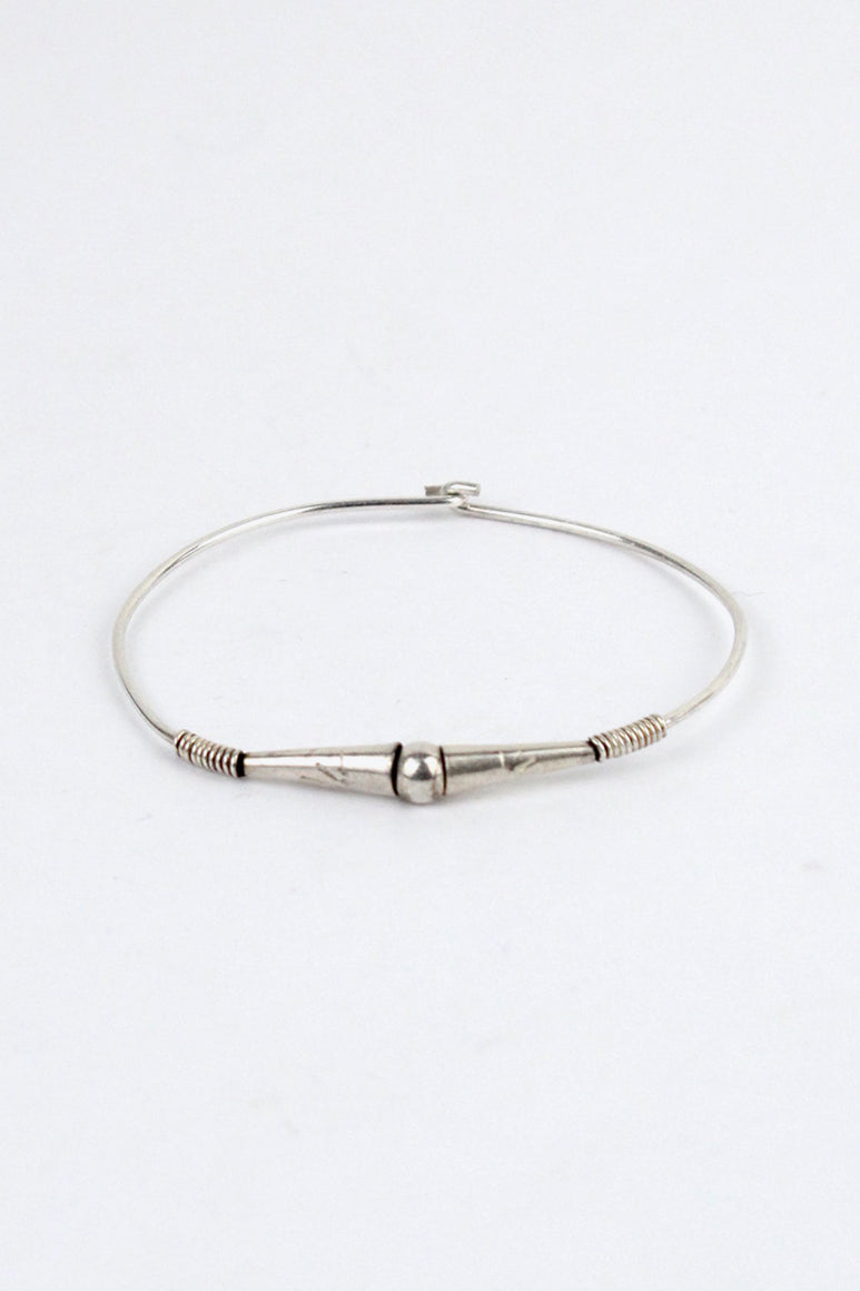 SILVER BANGLE [ONE SIZE USED]