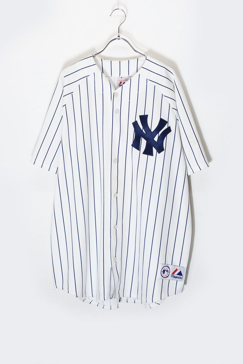 DAVENPORT PULLOVER JACKET / PURPLE/BLACK [SIZE: M NEW]