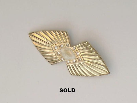 Gold Colour and Cream Enamel Style Brooch