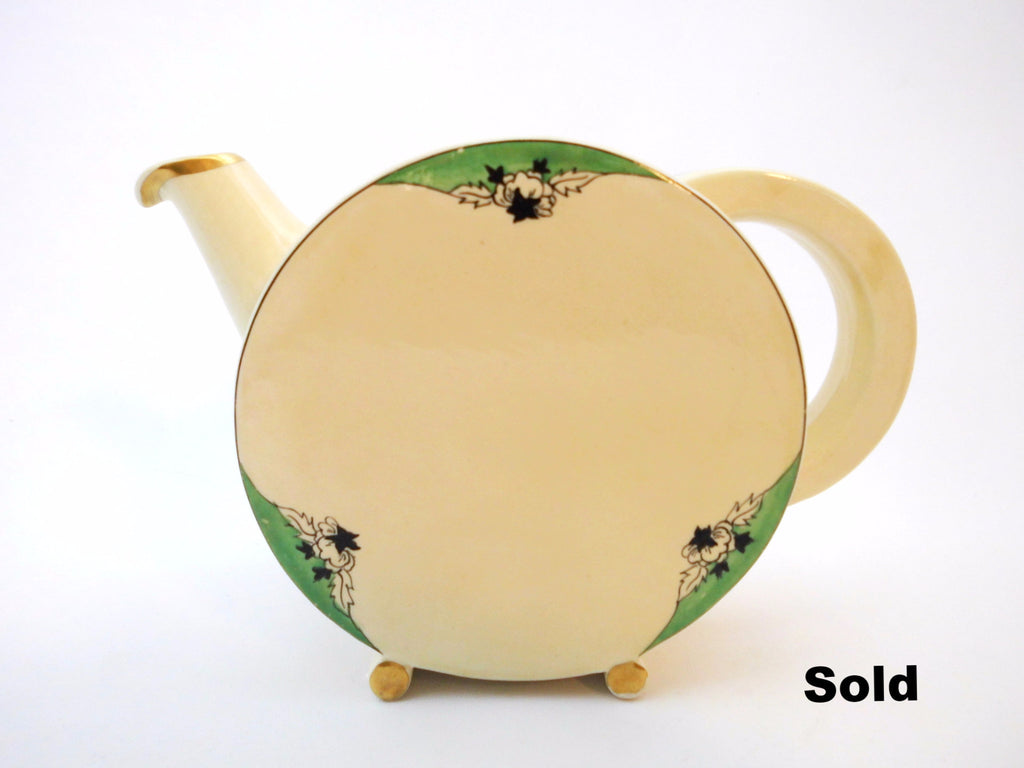 Teapot / Pitcher  Bon Jour Shape Clarice Cliff 1933-1934