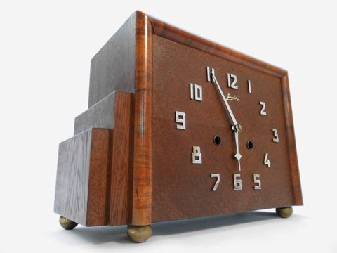 "1930's JUNGHANS  Wooden Walnut Mantel Clock with Pendulum  33 cm 13"" wide / 22 cm  8.66"" high"
