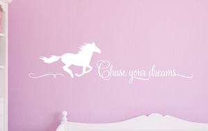 Chase your dreams_horse Decal_White