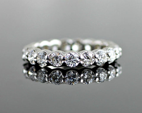 larger unique stone bands engagement large sitting ring women diamond elegant by two diamonds the with rings for side