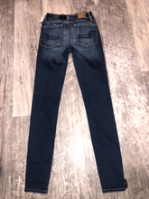 Load image into Gallery viewer, American Eagle Denim Size 00