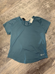 Nike Dri Fit Athletic Top Size Medium