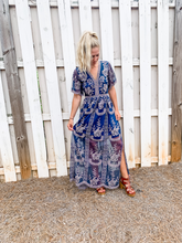 Load image into Gallery viewer, Maxi Dress Size Small