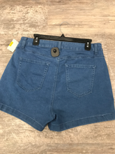 Load image into Gallery viewer, Forever 21 Shorts Size 13/14