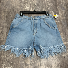 Load image into Gallery viewer, Zara Shorts Size 3/4