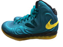 Load image into Gallery viewer, Hyperposite Nike Athletic Shoes 9.5