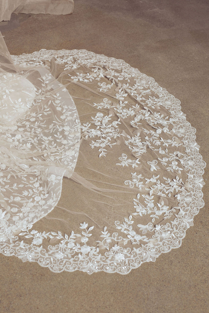 NUDE WEDDING VEIL