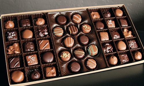Chocolate gift box for Iowa corporate gifts. Add logo and branding to the chocolate box!