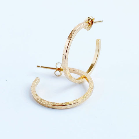 Medium Gold Thin Line Hoops