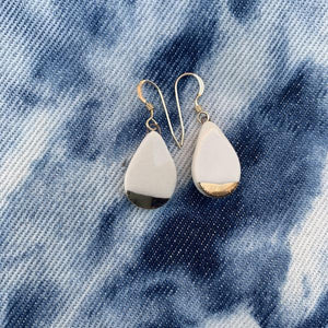 Teardrop Earrings Gold-White