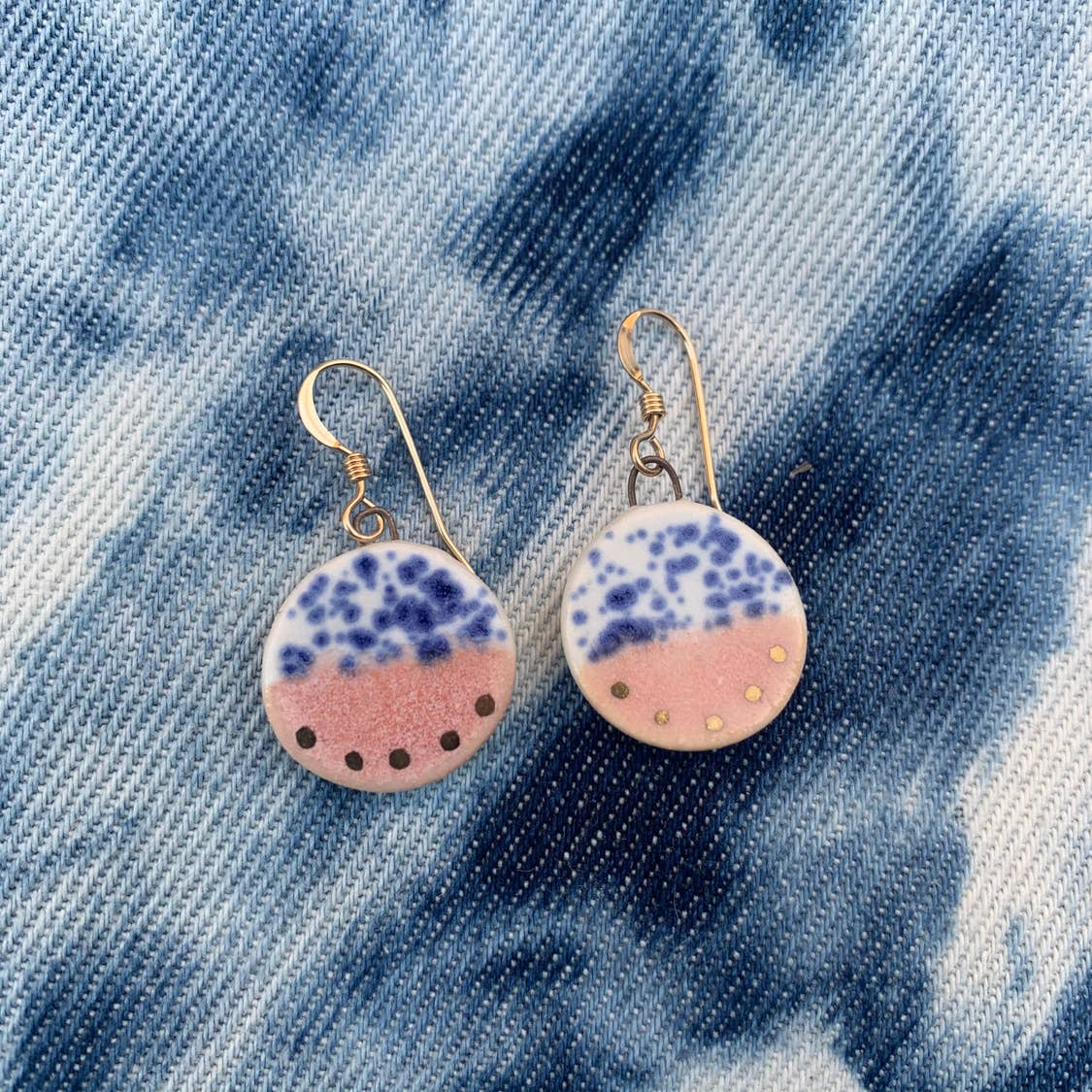 Round Drop Earrings Gold-Rhubarb/Blue Speckle