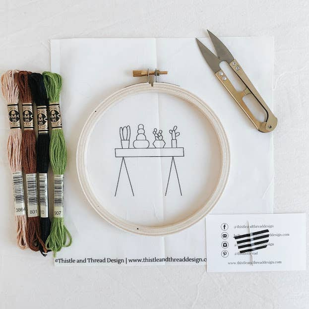 Table Cacti Embroidery Kit