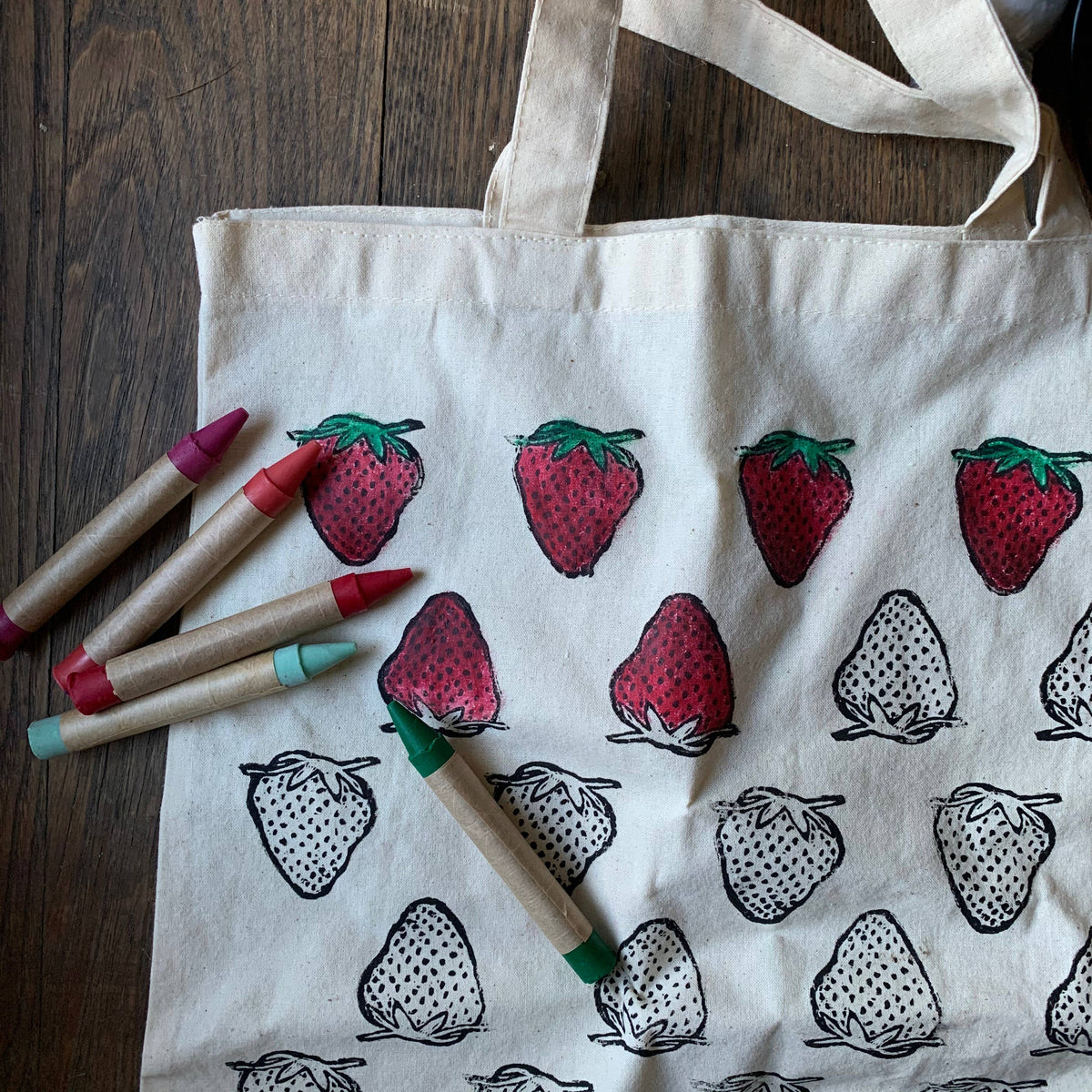 Strawberry: CYO Market Tote Kit With Eco-Friendly Crayons