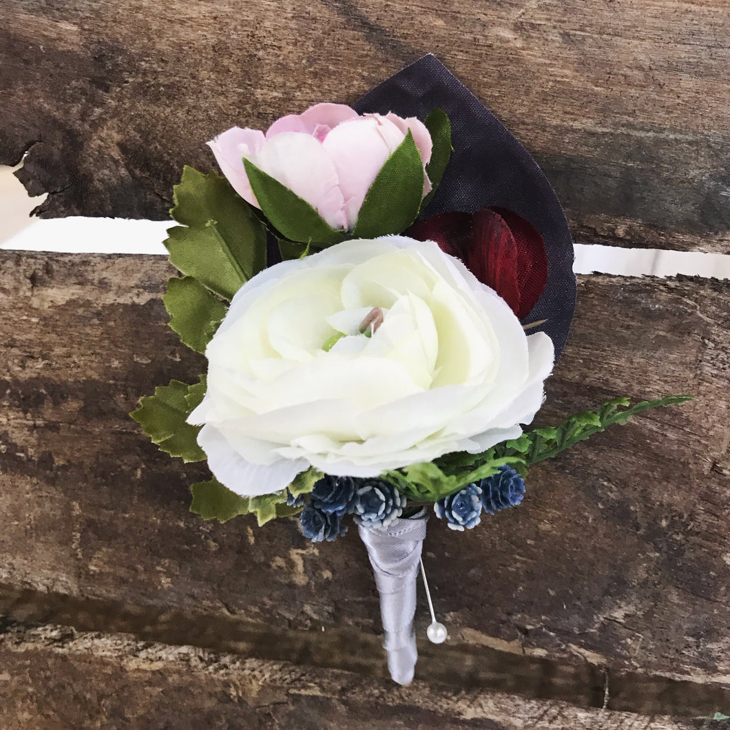 Tri Color Boutonniere