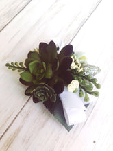 Load image into Gallery viewer, Succulent Corsage